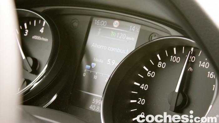 Prueba Nissan Qashqai DIG-T 163 CV 2015 interior 16