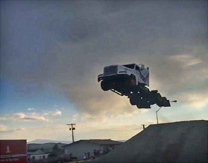 Salto Camión 03