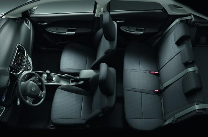 Suzuki Baleno 2015 interior 02