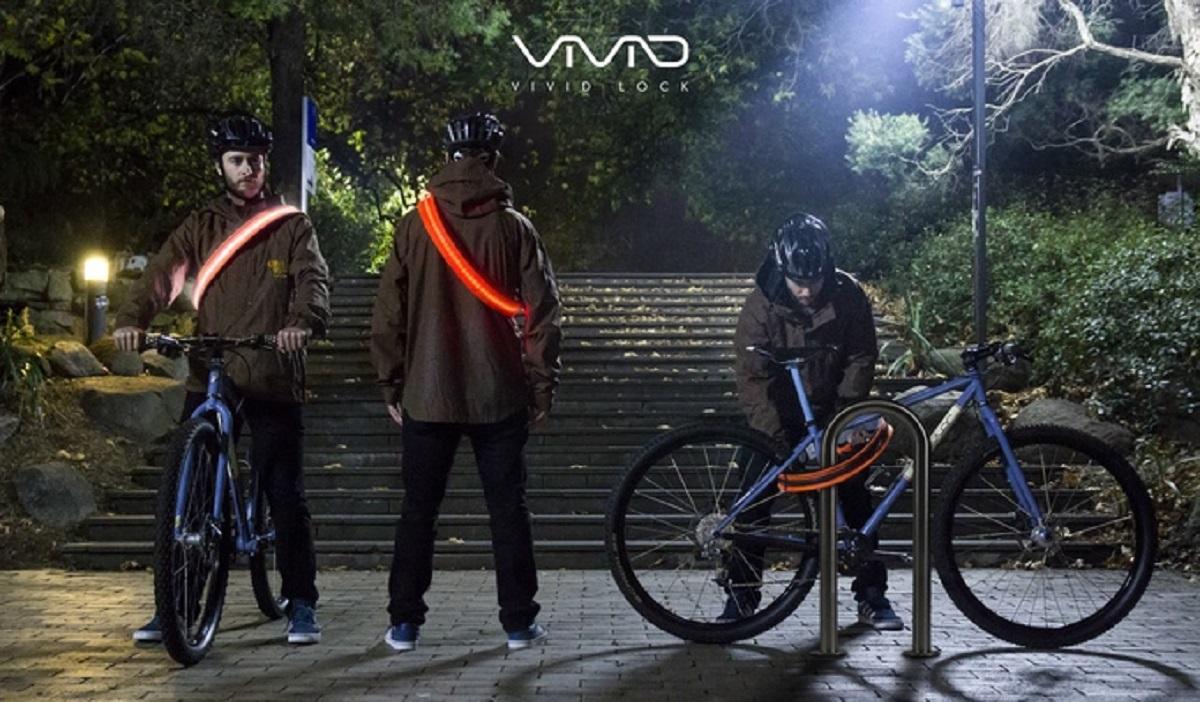 Vivid Lock 04