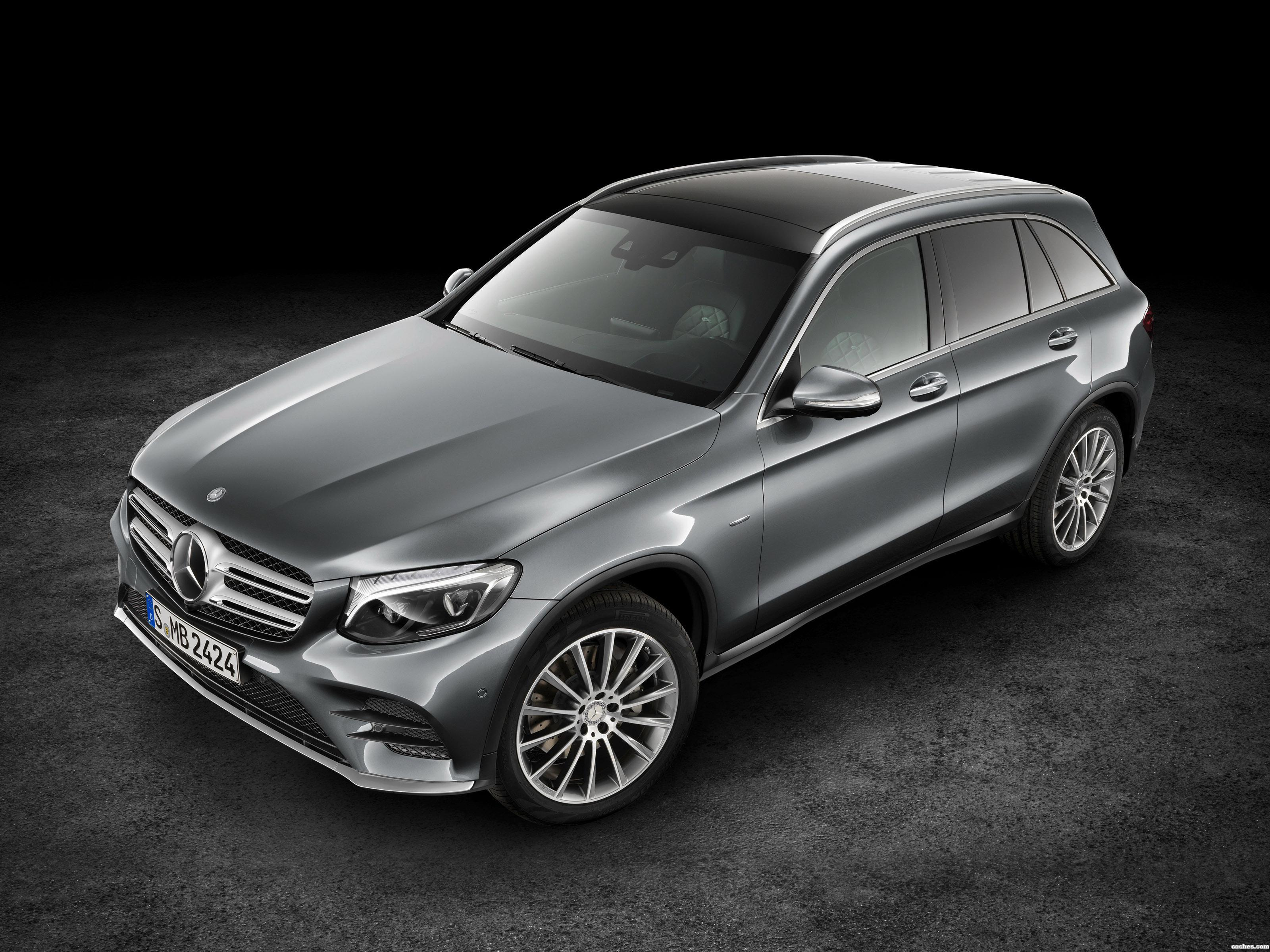fotos de mercedes glc 350 e 4matic x205 2015. Black Bedroom Furniture Sets. Home Design Ideas