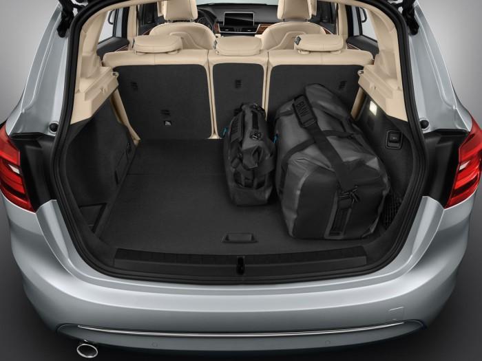 BMW 225xe 2016 maletero 2