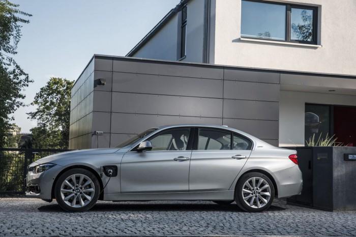 BMW 330e 2016 15