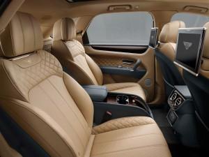 Bentley Bentayga 2016 interior 02