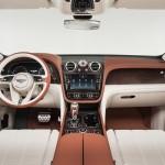 Bentley Bentayga 2016 interior 04