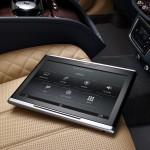 Bentley Bentayga 2016 interior 06