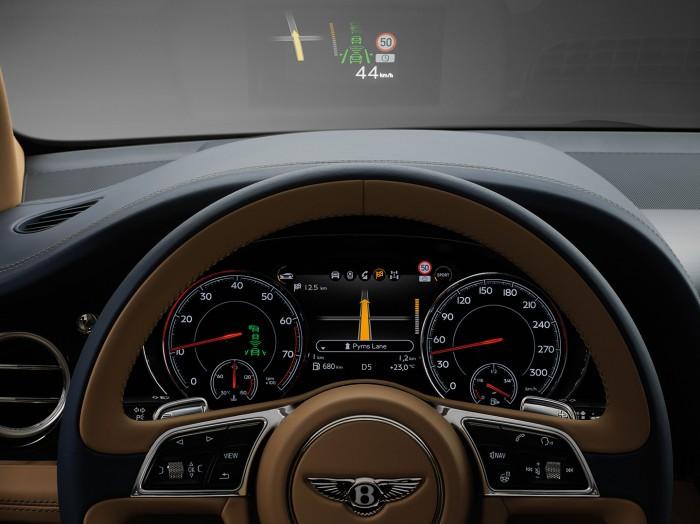 Bentley Bentayga 2016 interior 08