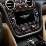 Bentley Bentayga 2016 interior 14