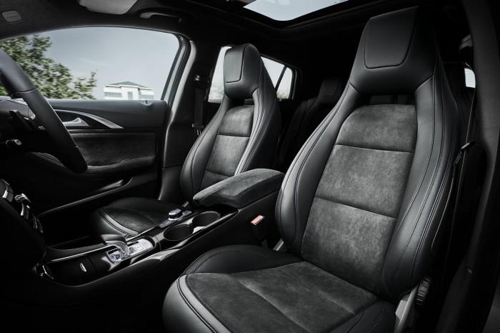 Infiniti Q30 2016 interior 3