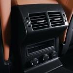 Jaguar F-PACE Portfolio 2016 interior 04