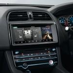 Jaguar F-PACE Portfolio 2016 interior 06