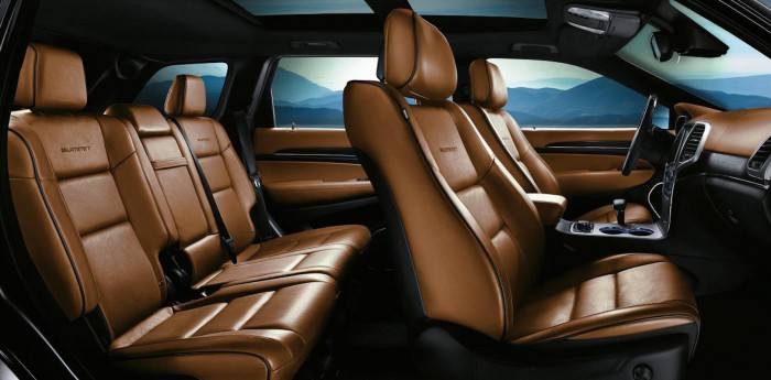 Jeep Grand Cherokee Summit 2015 interior 01