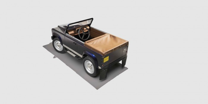 Land Rover Defender pedales 02