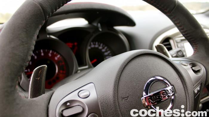 Nissan Juke RS Nismo 2015 prueba interior 17