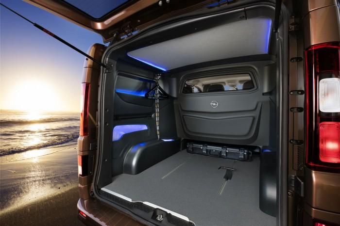 Opel Vivaro Surf Concept 2015 interior 1