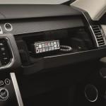 Range Rover Sentinel 2015 interior 02