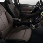 Renault Captur SL Premium 2015 interior 02