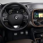 Renault Captur SL Premium 2015 interior 03