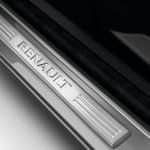 Renault Clio IV SL Premium 2015 interior 04