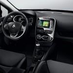 Renault Clio IV SL Premium 2015 interior 06