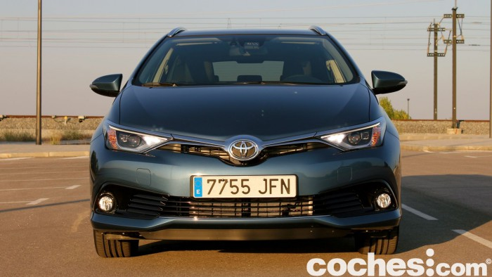Toyota Auris Touring Sports 2015 prueba 09