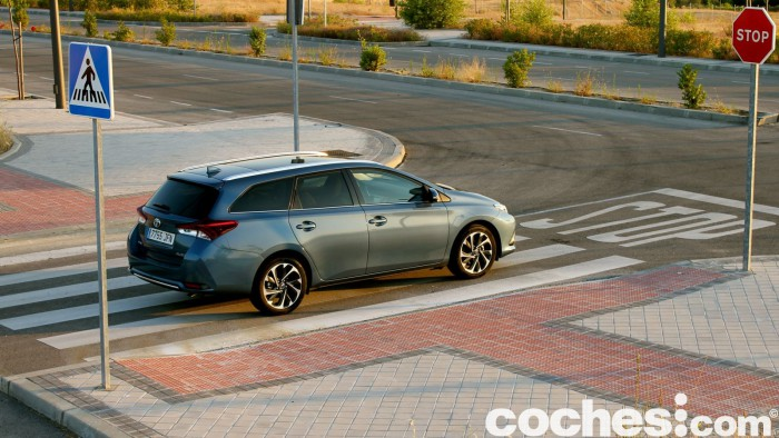 Toyota Auris Touring Sports 2015 prueba 36