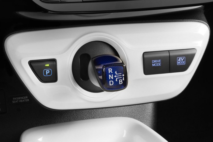 Toyota Prius 2016 interior 04