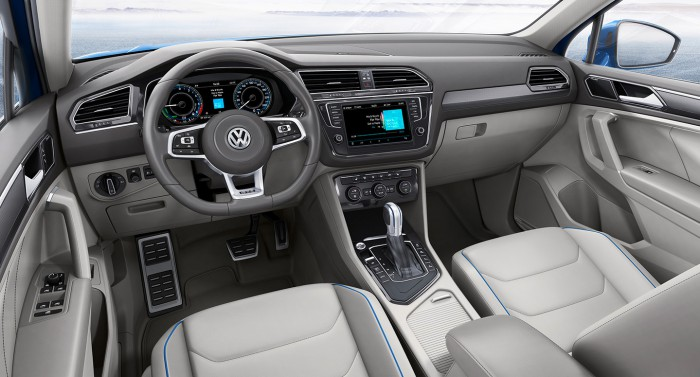 Volkswagen Tiguan GTE Concept 2016 interior 03