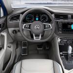 Volkswagen Tiguan GTE Concept 2016 interior 04