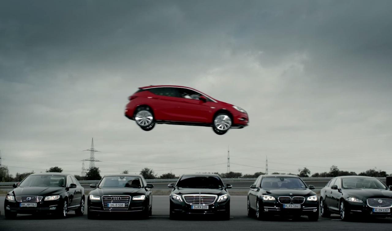 191 Salta Tanto En Calidad El Opel Astra Como En Este Anuncio
