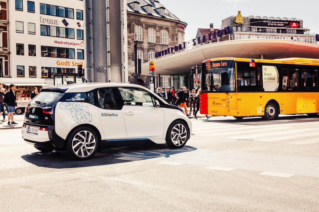 BMW i3 Copenhague transporte publico 2015 01