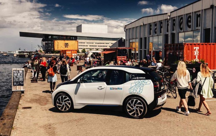 BMW i3 Copenhague transporte publico 2015 02