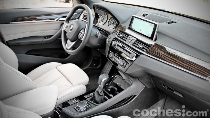 BMW_X1_xDrive20d_026