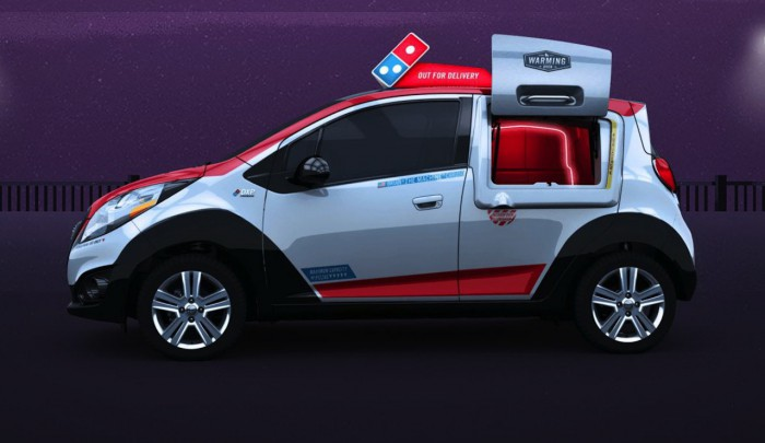 DPX coche reparto Dominos pizza 04