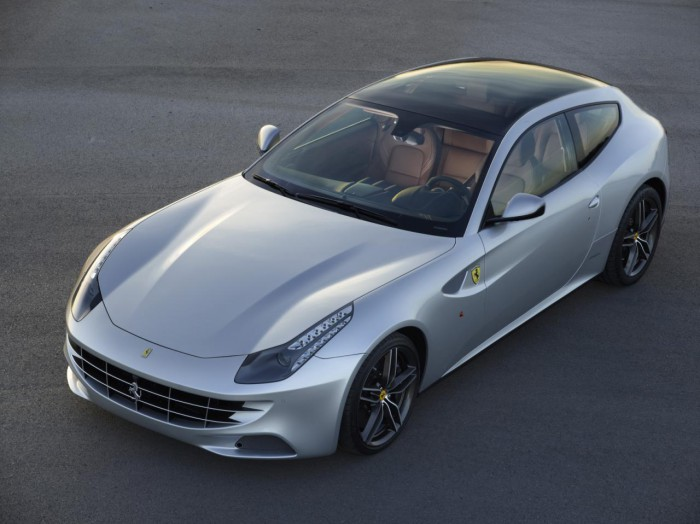 Ferrari FF 2013 Panoramic roof 01