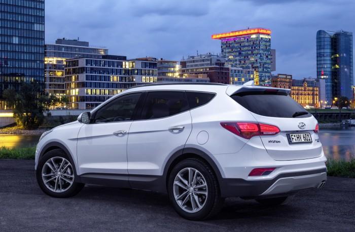 Hyundai Santa Fe 2016 02