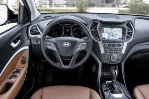 Hyundai Santa Fe 2016 interior 01