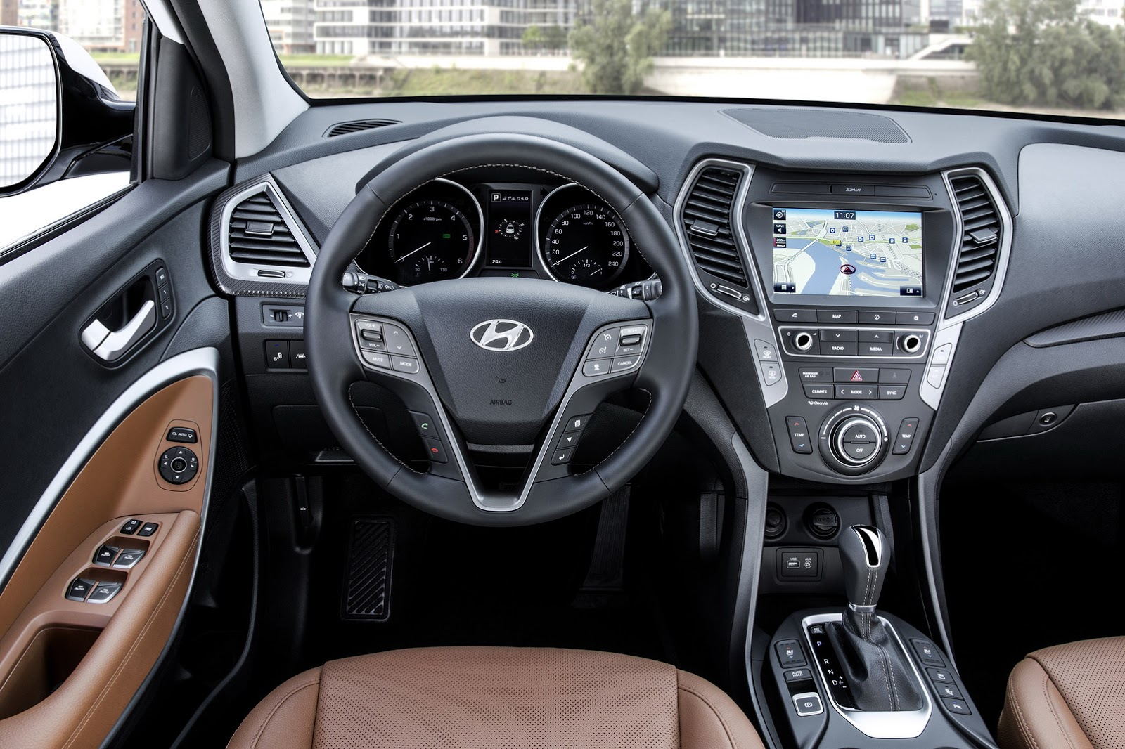 hyundai santa fe 2016 renovaci n en su justa medida. Black Bedroom Furniture Sets. Home Design Ideas