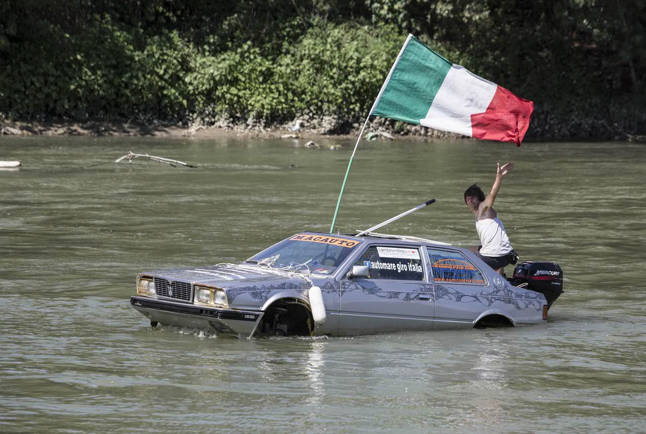 Marco Amoretti Maserati Biturbo anfibio 01