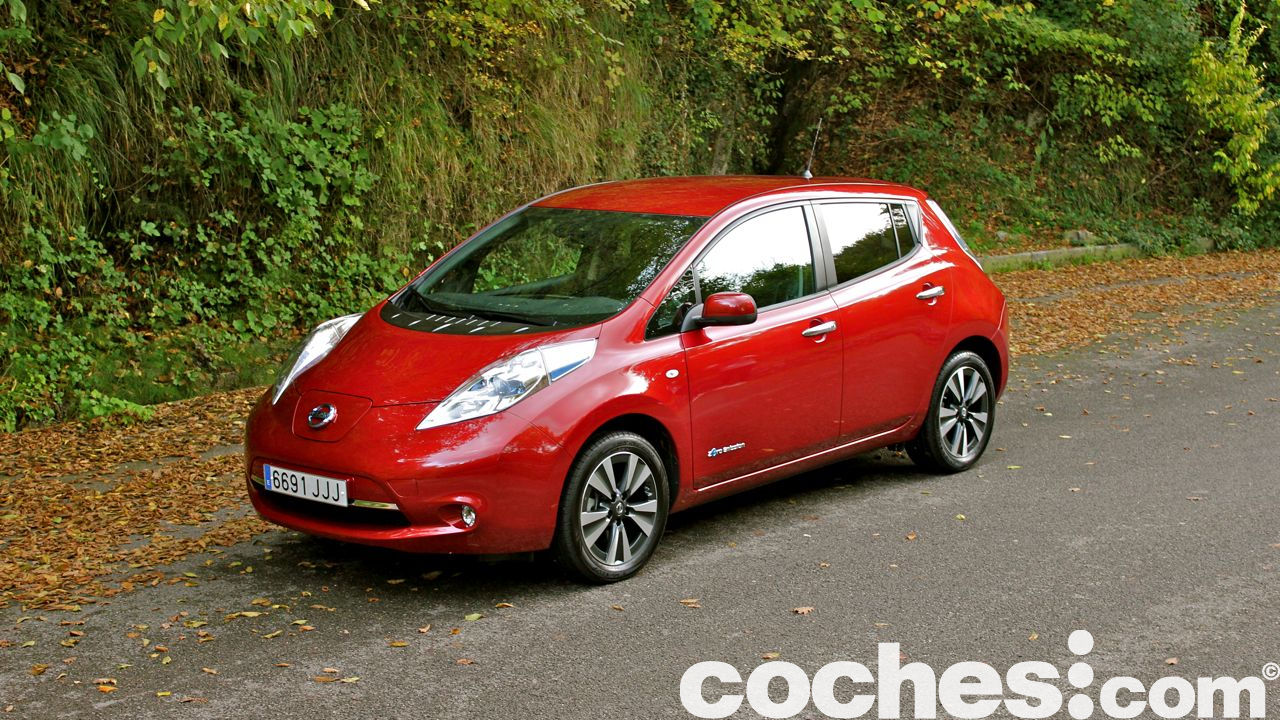 nissan leaf 30 kwh a prueba. Black Bedroom Furniture Sets. Home Design Ideas