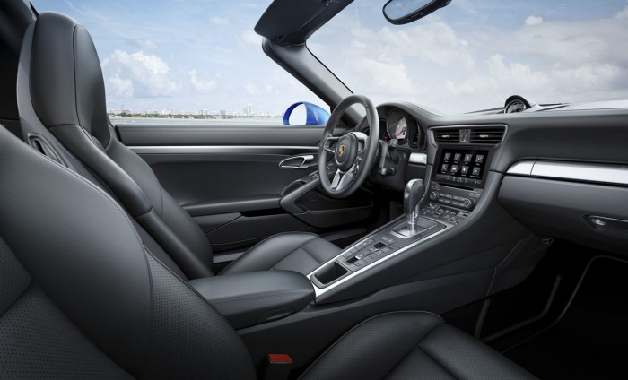 Porsche 911 Targa 4 S 2016 interior 01