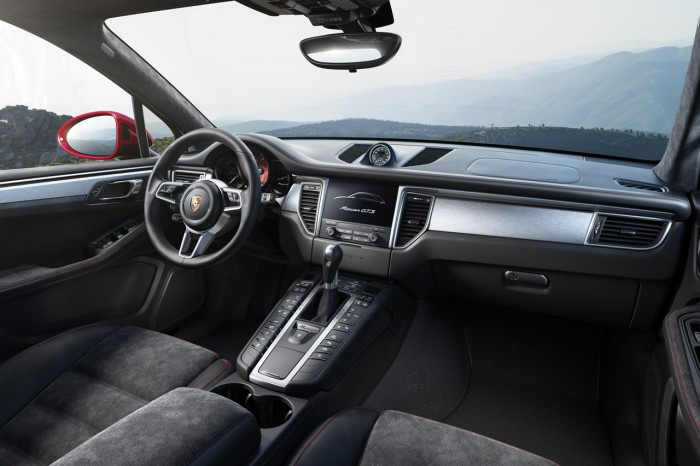 Porsche Macan GTS 2016 interior 01