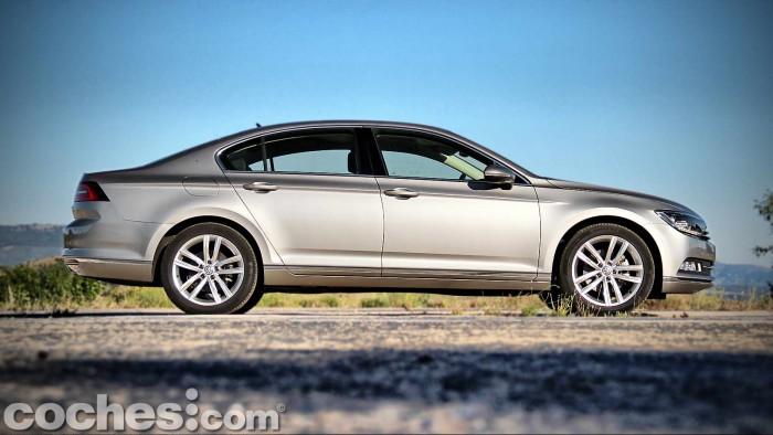 Volkswagen_Passat_2.0TDI_BMT_009