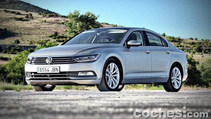 Volkswagen_Passat_2.0TDI_BMT_012