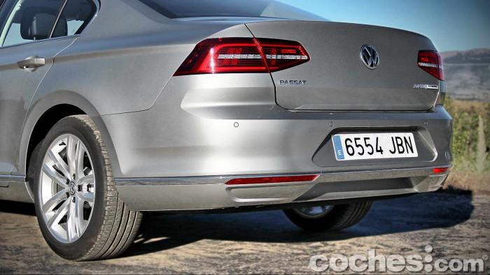 Volkswagen_Passat_2.0TDI_BMT_026