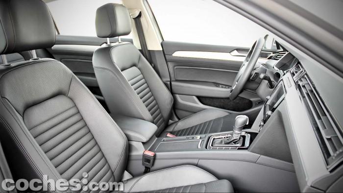 Volkswagen_Passat_2.0TDI_BMT_046