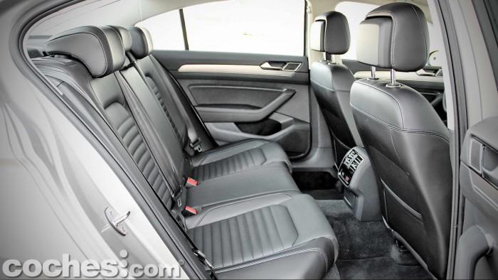 Volkswagen_Passat_2.0TDI_BMT_060