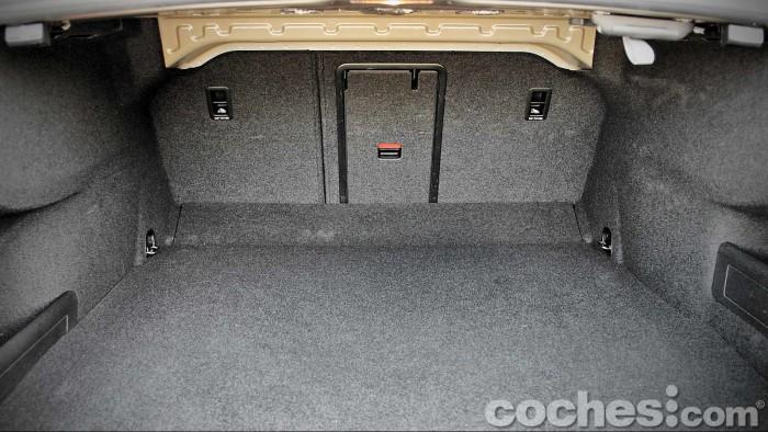 Volkswagen_Passat_2.0TDI_BMT_064