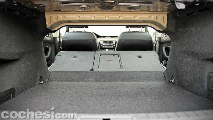 Volkswagen_Passat_2.0TDI_BMT_067