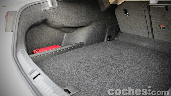 Volkswagen_Passat_2.0TDI_BMT_068